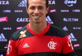 Flamengo perde disputa com o Vasco e apresenta Damião