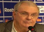 Cruzeiro ouve não até de técnico de operadora e fica sem TV por assinatura na Toca da Raposa