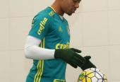 URGENTE! Guardiola estaria tentando trocar Gabriel Jesus por Luan, diz jornal inglês